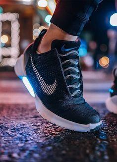 Nike HyperAdapt 1.0 (via Kicksdailynz)