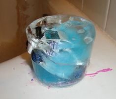 bedtime ICEBERGS! Put a toy in a container with water and food coloring. Freeze then put it in the bath for an iceberg