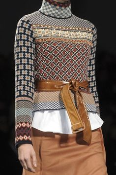 Sportmax Fall Maybe stitch a bunch of funky sweaters together? Sportmax at Milan Fashion Week Fall 2011 - Details Runway Photos Knitwear Fashion, Knit Fashion, Look Fashion, Runway Fashion, Winter Fashion, Womens Fashion, Milan Fashion, Fair Isle Knitting, Knitting Yarn