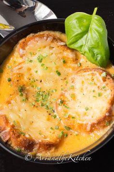 Roasted Garlic Tomato Basil Soup
