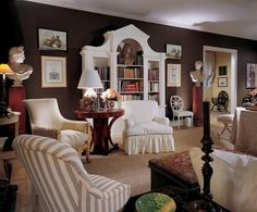 "Mark Hampton: Southampton living room in summer dress.the room had ""La Portugaise"" print from Brunschwig et Fils in the winter months. I love the simplicity and coziness of brown walls-I have a brown bedroom. Hamptons Living Room, Coastal Living Rooms, Living Room Decor, Living Spaces, Die Hamptons, Hamptons Decor, Dark Brown Walls, American Interior, Old Room"