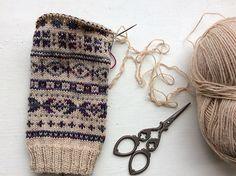 Ravelry: porcupinestitches' Fair Isle Cuffs #wristwarmers #gloves #fairisle #nordic #knit #knitting