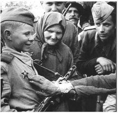 WWII....Que No quede un solo Alemán que No muera por defender Mi CAUSA....palabras de Adolf Hitler cuando estaba a punto de  perder la Guerra.