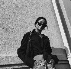 fashion photo shoot that look fabulous. Black And White Aesthetic, Black N White, Black And White Pictures, Black And White Instagram, White Photography, Photography Poses, Photoshoot Idea, Foto Casual, Insta Photo Ideas