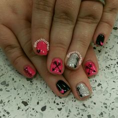Neon pink and black nails. Arrow nails. Valentine's day nails