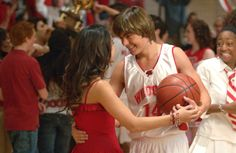 How Well Do You Know the Lyrics from High School Musical? | Quiz | Disney Playlist