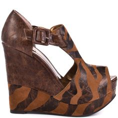 Buckle Up Wedge - Giraffe Brown by Luichiny