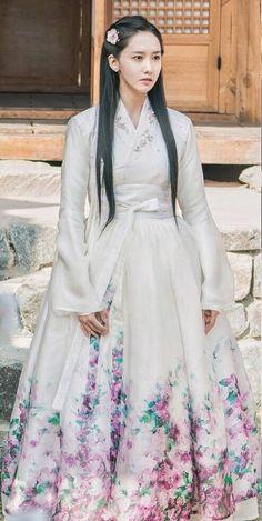 170629 MBC 'The King Loves' television drama OFFICIAL update SNSD YoonA Korean Hanbok, Korean Dress, Korean Outfits, Korean Traditional Dress, Traditional Dresses, Asian Woman, Asian Girl, Yoona Snsd, Korean Fashion Trends