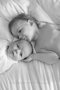 Newborn/ Sibling Idea Earthside Birth Photography