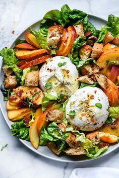 Peach Panzanella Salad with Burrata and Bacon Pfirsich-Panzanella-Salat mit Burrata und Speck Vegetarian Recipes, Cooking Recipes, Whole30 Recipes, Pizza Recipes, Vegetarian Dinners, Kitchen Recipes, Grilling Recipes, Bread Recipes, Clean Eating
