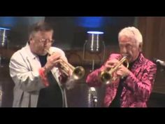 Doc Severinsen and Arturo Sandoval at the Rafael Mendez Trumpet Festival, Mexico City. Doc was 83 years old here. Jazz Music, Dance Music, Good Music, My Music, Jazz Blues, Blues Music, Doc Severinsen, Jazz Trumpet, Trumpet Players