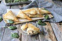Filopasteijat lohi-fetatäytteellä - Ruokamielellä Fish Dishes, Spanakopita, Ethnic Recipes