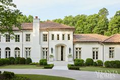 California Cool - Atlanta Homes and Lifestyles Venetian Plaster Walls, Boxwood Garden, California Cool, Circa Lighting, Atlanta Homes, Front Entrances, French Oak, Terrazzo, Building Design
