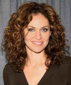 How to Pick Perfect Medium Length Curly Hairstyles to Give Impression : medium curly hairstyles . curly hairstyles,hairstyles for medium hair,medium curly hairstyles Curly Hair Cuts, Medium Hair Cuts, Short Curly Hair, Medium Hair Styles, Curly Hair Styles, Natural Hair Styles, Thick Hair, Medium Length Curly Hairstyles, Short Haircuts