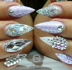 Silver glance glitz glam nails design nailart inspiration @luminousnails