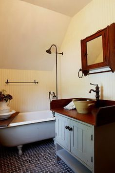 Primitive bathrooms 390616967679829353 - 7 Wonderful Tips: Steel Roofing Ranch curved roofing materials.Steel Roofing Installation shed roofing covering. Source by sandyvaden Farmhouse Dining Room Table, Country Farmhouse Decor, Country Kitchens, French Farmhouse, Country Primitive, Top Garage, Primitive Bathrooms, Exterior House Colors, Patio Roof