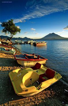 Fotos de Panajachel - Lago de Atitlan con su colorido en Solola, Guatemala