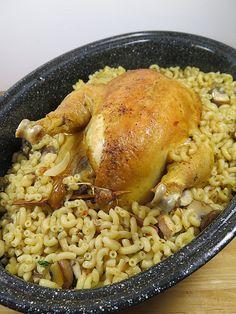 Le poulet farci aux coquillettes et au foie gras est une recette d'Hélène Darroze qui me fait envie depuis de nombreuses années, mais jusqu'à présent je n'osais pas me lancer. Et …