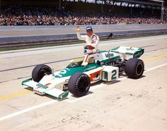 Johnny Rutherford in 1975 Indy Car Racing, Indy Cars, Racing Team, Formula 1, Indie, Bruce Mclaren, Indianapolis Motor Speedway, American Racing, Old Race Cars