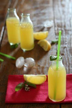 Limonata di ananas dissetante