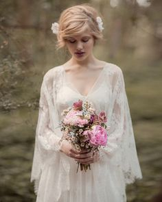 Encontramos esse editorial de vestidos de noiva recentemente e foi amor à primeira vista! A marca Rue de Seine, da Nova Zelândia, cria coleções com pegada