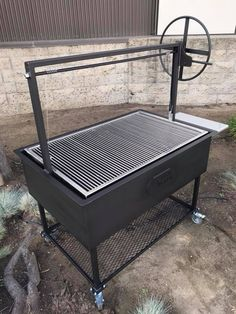 Santa Maria BBQ Grill Pit with height adjustable cooking grate Outdoor Bbq Kitchen, Backyard Kitchen, Backyard Bbq, Outdoor Cooking, Bbq Grill Diy, Wood Grill, Barbecue Design, Grill Design, Cowboy Grill