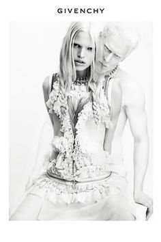 Givenchy's spring 2011 campaign has hit the web and stars Riccardo Tisci muse Daphne Groeneveld and albino model Stephen Thompson. Lensed by Mert & Marcus… Stephen Thompson, Modelo Albino, Fashion Advertising, Advertising Campaign, Fashion Marketing, Albino Model, Fashion Models, High Fashion, Luxury Fashion