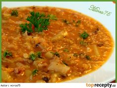 Kapustová polévka jako gulášová Czech Recipes, Ethnic Recipes, Soup Recipes, Recipies, Weight Loss Smoothies, Yams, Curry, Food And Drink, Yummy Food