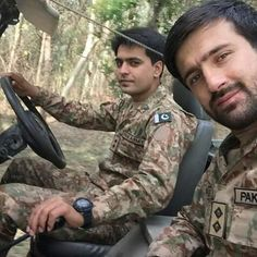 Pakistan Zindabad, Pakistan Fashion, Poetry About Pakistan, Pak Army Soldiers, Love You Cute, Pakistan Armed Forces, Crushes, Military, Hero