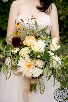 A bountiful and beautiful loose wild bouquet created by the uber talented Denise Fasanello. Photo by Josh Strauss Studios