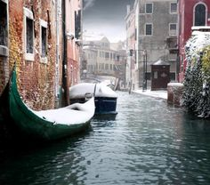 Venice Canal @ Italy. The city of the Aquaducts..I have dreamed of this place. Can you imagine...to an American another  stinky Italian city is such fan fair for us.;)