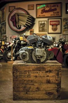 Indian Scout V-Twin Flathead @ 42°