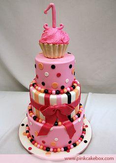 """L'image """"http://www.pinkcakebox.com/images/big-cake813.jpg"""" ne peut être affichée car elle contient des erreurs."""
