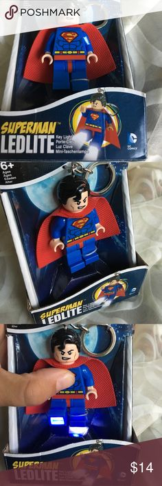 LEGO DC Universe Super Hero Superman Key Light NWB Lego Plastic 2 in. Dia. Loop Key Chain Key Ring Style: Loop Product Type: Key Chain with LED Light Color Family: DC Comics Superman Material: Plastic Diameter: 2 in. Number in Package: 1 pk Press the logo on the chest for a burst of light Packaging Type: Carded Poseable arms and legs Super bright LED's light through the feet 2-3/4 in. H Includes 2 CR2025 batteries Lego Accessories