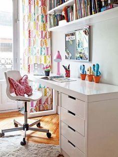 Dormitorio juvenil: escritorio blanco                                                                                                                                                                                 Más