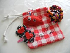 Gift #watdoetvanessanu #zelfgemaakt #zoetgeluk #present #sew #hairclips #craft #diy #handmade