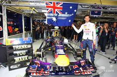 Mark Webber, Red Bull Racing RB9 celebrates his last GP in the pits | Main gallery | Photos | Motorsport.com