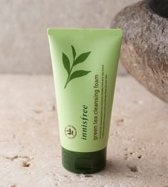 Innisfree Green tea cleansing foam::Cleansing foam that keeps skin moisture with the smooth foams of freshly squeezed Jeju green tea Korean Products, Best Face Products, Pure Products, Beauty Products, Beauty Regimen, Skin Products, Makeup Products, Makeup Tips, Diy Makeup Vanity