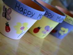 Cool project from http://www.kiwicrate.com/projects/Mothers-Day-Thumbprint-Pots/2209: Mother's Day Thumbprint Pots