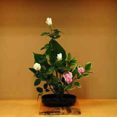 Ikebana Lesson by Mai Wakisaka Photography, via Flickr