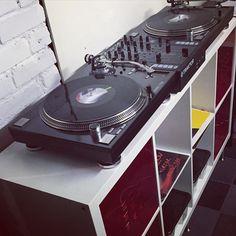 #reloop #rp #7000 #turntable #turntablism #dj #mix #studio #vinyl #oldschool #traktor #serato #ni #kontrol #z2 #cubase #protools #apple by valentin_btc http://ift.tt/1HNGVsC
