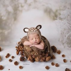 Newborn Boys – Belly Baby Love by Ana Brandt Newborn Baby Photos, Newborn Shoot, Newborn Pictures, Newborn Photo Props, Newborn Twins, Newborn Christmas Outfits Girl, Newborn Christmas Pictures, Newborn Photography Poses, Photography Props