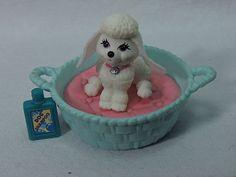 Lot Littlest Pet Shop Vintage Kenner 1992 White Purple Eyes Poodle Puppy Dog Bed.