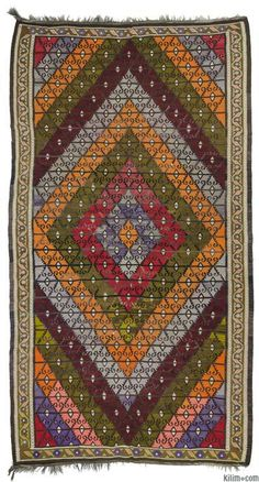 Vintage handwoven Turkish kilim rug around 50 years old and in very good condition.