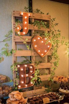 detalles candy bar con letras con luces
