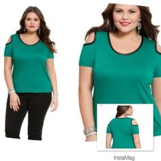 "HP 8/1EMERALD AND FAUX LEATHER TOP Previous knit top with cutout lined in faux leather. Really dresses up a basic tee. 100% rayon, machine wash cold. Length 26.5"". Model is 5'11"", size 14 Eloquii Tops"