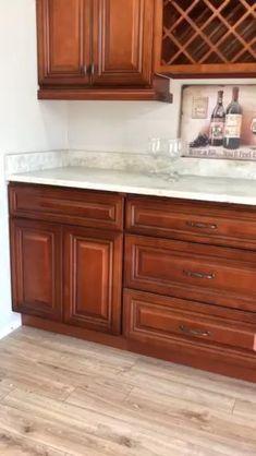 Cherry Wood Kitchen Cabinets, Cherry Wood Kitchens, Solid Wood Kitchens, Kitchen Cabinets Decor, Kitchen Cabinet Design, Kitchen Redo, Kitchen Flooring, Kitchen Furniture, Home Kitchens