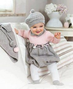 Clothes play a critical role, in regards to fashion. Everybody wants to obtain baby clothes because they're cute and adorable. Ultimately, you can place on the cutest baby clothes you have always loved Little Girl Outfits, Little Girl Fashion, Toddler Fashion, Kids Fashion, Winter Fashion, Babies Fashion, Fashion Clothes, Baby Kostüm, Cute Baby Girl