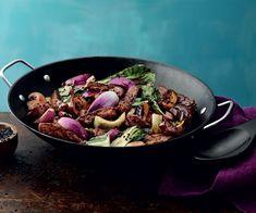 Teriyaki-seesami kanaa wokissa   Santa Maria Pak Choi, Bulgogi, Santa Maria, Asian Recipes, Vegan Vegetarian, Love Food, Broccoli, Grilling, Beef