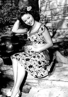 Shirley had to be one of the most fabulous teens of the 40's....